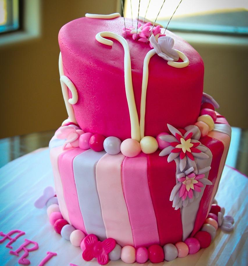 着色ケーキ